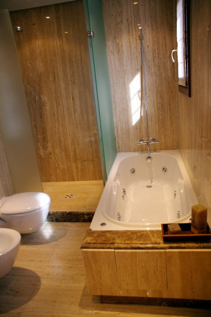 Toilets, bathrooms and kitchens   Luqstones