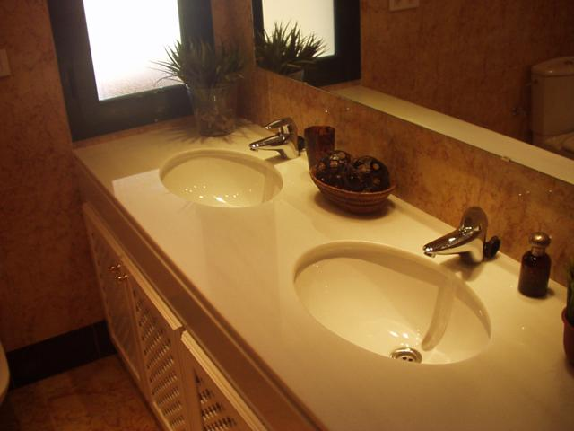 Toilets, bathrooms and kitchens | Luqstones